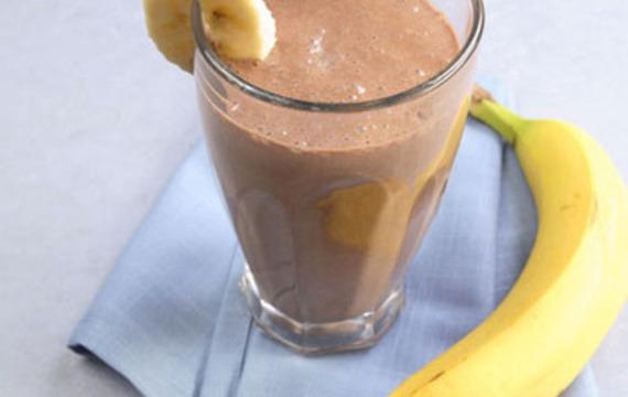 Banana-cocoa drink