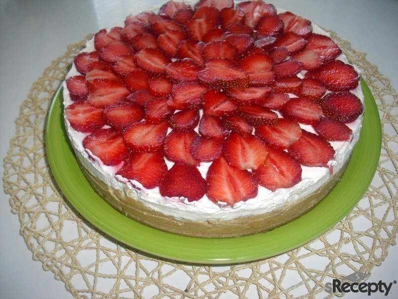 Unbaked cheescake with fruit